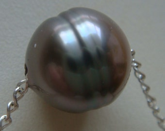 Sterling Silver Clasp and chain necklace and 12.6x11.7mmTahitian pearl