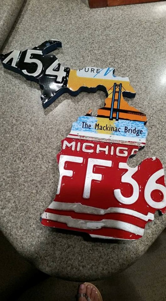 Shape of Michigan with Vintage License Plate Art,Michagander,mitton state,mens gift,10th Anniversity