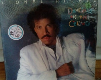 Lionel Richie Dancing on the Ceiling Collectible Vinyl Record VG to EX Condition