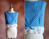 vintage 1960's blue & white floral polka dot cotton ruffled eyelet trim crop top / size xs - s