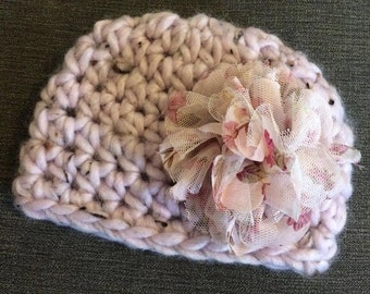Lilac fabric flower baby hat, violet baby beanie. 0-3 mo size, newborn photo prop, christmas baby gift, baby shower, birthday gift.