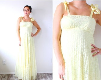 20% OFF VALENTINES SALE Vintage maxi yellow lace gown // boho all lace gown // hippie navajo maxi dress // prom homecoming dress // floor le