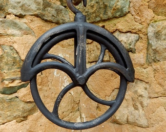 Vintage industrial Cast Iron well barn pulley