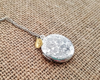 Antique Silver Locket Necklace - Personalized Locket - Bridesmaid necklace - Vintage Silver Locket - Bridesmaid Locket - Flowergirl Locket