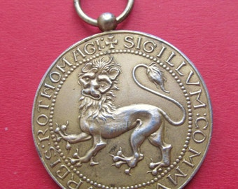 Antique Norman Lion Pendant Art Nouveau Mistletoe French Silver Art Medal Dated 1911   SS424