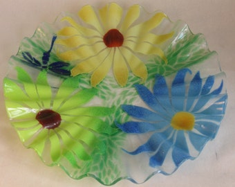 "Sydenstricker Hand Made Fused Glass Signed Ruffled Daisy Flower 12"" Platter Fruit Dish Bowl 2 available"