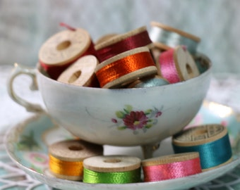 1 Spool Vintage Silk Thread