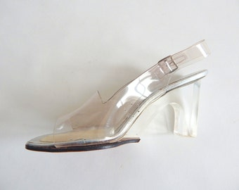 """Vintage 1970s Jack Rogers Lucite Pumps Dead Stock Size 6 M ; 3"""" heels"""