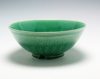 Large Ceramic Serving Bowl in RICH Emerald Green with carved Texture/Ceramics and Pottery