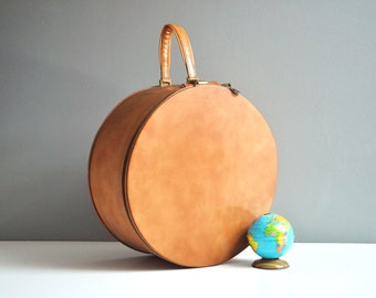 Vintage Round Leather Suitcase with Key and Leather Handle