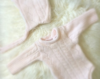 Newborn Pale Pink Cable Knit Romper and Bonnet, knit jumper, baby romper, newborn clothing, photography prop, bodysuit, ready to ship