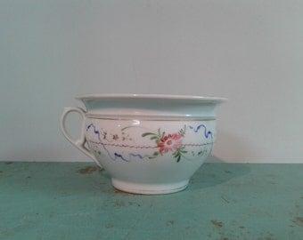 Antique ceramic chamber pot, white chamber pot, flower decoration, porcelain chamber pot, home decor