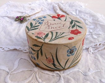 1930 French Powder Box French cardboard Box - Shabby Chic French Vintage Boudoir Box - Vintage Cosmetic