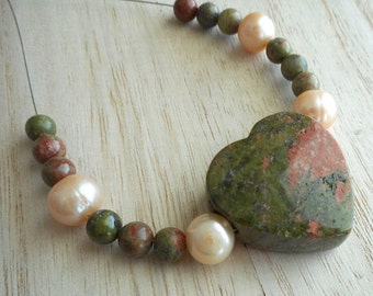 17pc beads set-natuarl Unakite gemstone heart pendant, round Unakite beads, peach Pearls