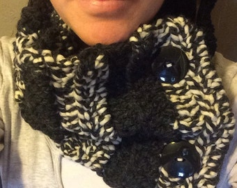 Black and White Chunky Cowl