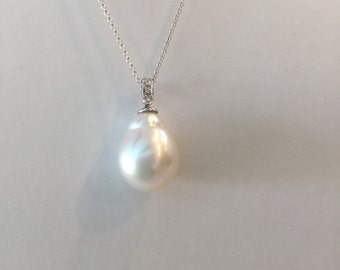 White South Sea Pearl Pendant with 18kt Solid White Gold and Diamond Bail