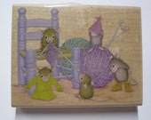 Wood Mounted Rubber Stamp - House Mouse Knit-a-Rific - Stampabilities