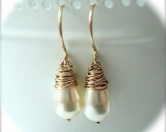 Pearl Earrings - Wedding Jewellery - Ivory Pearl Drop Earrings - Gold Pearl Earrings - Wedding Earrings - Simple Earrings - Bridal Earrings