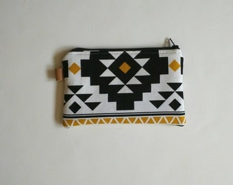 Tribal print coin purse with black lining