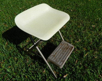 Vintage Samsonite Metal Step Ladder, Fiberglass Wide Seat White Kitchen Step Stool Chair