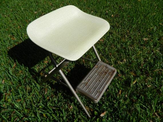 Vintage Samsonite Metal Step Ladder Fiberglass Wide Seat