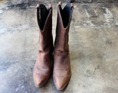 Size 8 M  / Women's Cowboy Boots / Dark Brown Leather Western Boots / Vintage Shoes