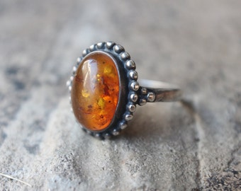 Amber RING /  Sterling Silver Jewelry / Vintage Fossilized Resin Ring