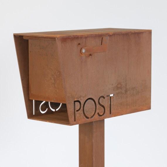 The Dexter Classic Mailbox