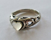 Sterling and White Moonstone Heart Ring Vintage 80's WM & Co. Size 7