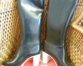 Vintage 1970s RUBBER Boots RIGON Liza High Heels Black Unused in Box Italian Fashion Size 6 UK 39 Europe