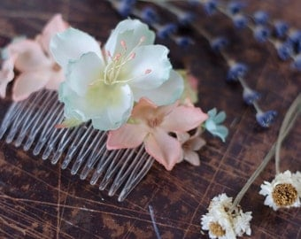 Spring Flower Hair Comb - Pastel Vintage Flowers of Peach & Baby Blue - Acessory - Bridal Bridesmaid