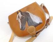 Vintage real leather saddle shoulder bag handbag with horse head detail tan brown