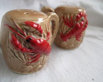 Souvenir lobster salt and pepper shakers / little brown jug Canada salt pepper