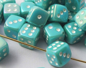 20 Vintage Turquoise AB Dice Beads Bd474