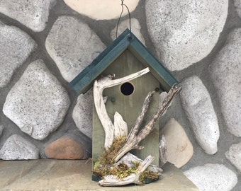 Rustic Birdhouse, Functional Birdhouses Garden Decor, Well Built Outdoor Bird House, Item#RBH307205