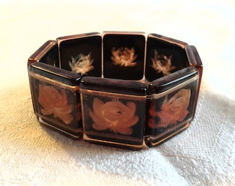 Vintage Reversed Carved Lucite Panel Stretch Bracelet. 30s, 40s Era.
