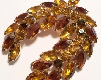 Vintage Brown Topaz Rhinestone Wreath Brooch