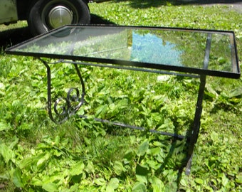 nice vintage 1960s WOODARD SALTERINI glass top iron metal outdoor lawn garden PATIO table pick up only