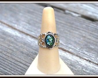 Adjustable Filigree Ring, Green Cabochon Ring, Adjustable Fashion Ring, Glass Cabochon Ring, Emerald Green Glass Ring, Silver Filigree Ring