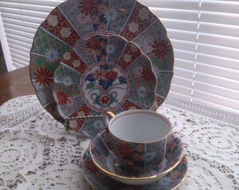 Amari China Set 5 Piece Place Setting for 4 with Chop