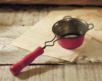 Vintage Tea Infuser / Vintage Tea Infuser Strainer / Tea Strainer / Tea Diffuser / Red Wood Handle