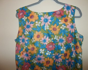Vintage Flower Power Sheath Dress..1970 era ..Good Condition...Flowers...Silky... FREE SHIPPING