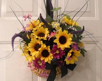 "Wall Hanging "" Summer Sunflower Delight"" - Flower Arrangement - Wicker Basket"