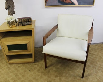 mid century modern vintage, danish, chair in the style of Paul McCobb