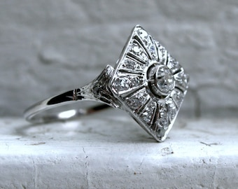 Lovely Vintage 14K White Gold Diamond Engagement Ring - 0.60ct.
