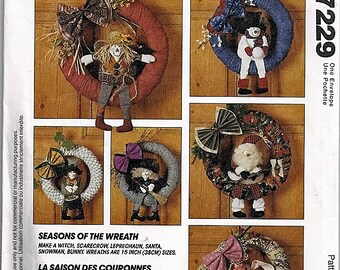Seasons of the wreath / Decorative Wreaths / Original McCall's Crafts Sewing Pattern 7229