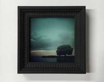 Edgewater - Framed Glass Print of Edgewater Park at Sunset