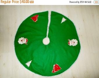 Vintage Felt Christmas Tree Skirt 1960's Hand Sewn Applique Sequins