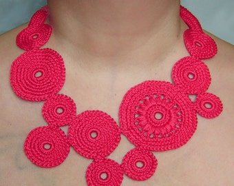 Red circles crochet necklace .