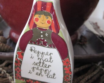Vintage Figgjo Flint Folklore Female Salt Pepper Shaker Norway